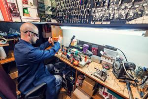 locksmith-making-new-key