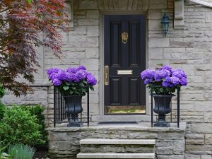 Residential locksmith at a house in Glen Ellyn, Illinois